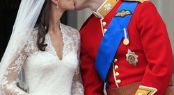 El beso entre el Príncipe William y Kate selló la boda real