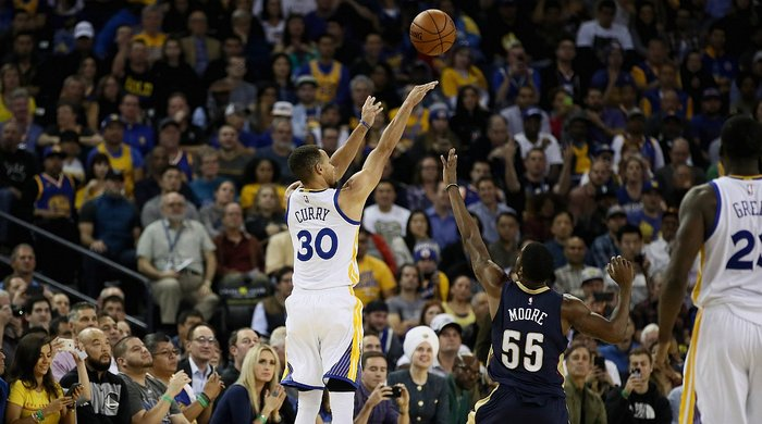 NBA: Stephen Curry, con 13 triples, establece nueva marca en la NBA