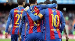 Barcelona aplasta 3-0 al Athletic Club y sigue al Real Madrid