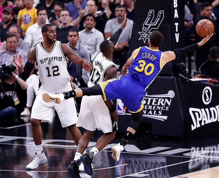 NBA: Warriors vencen 115-129 a los Spurs en San Antonio y son finalistas
