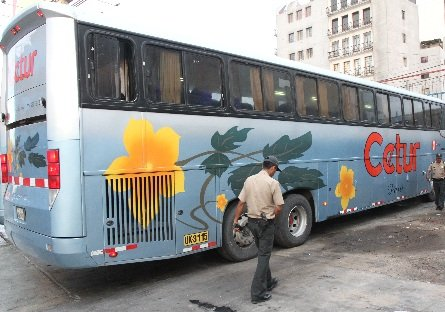Anciano fallece dentro de bus interprovincial