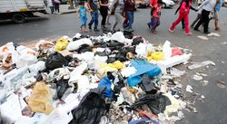 Gamarra: Basura invade emporio comercial [VIDEO]
