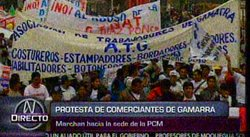 Comerciantes de Gamarra marchan en protesta por ropa china [VIDEO]