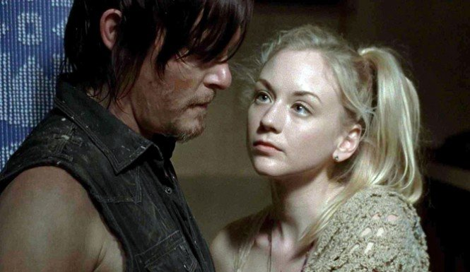 Instagram: Emily Kinney, 'Beth' en The Walking Dead, se desnuda