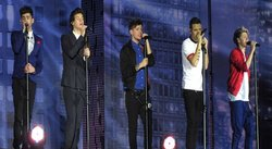 Integrantes de One Direction se pelean en concierto en vivo [VIDEO]