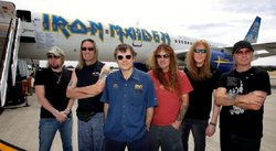 Iron Maiden: Su avión sufre accidente en aeropuerto de Chile [FOTOS]