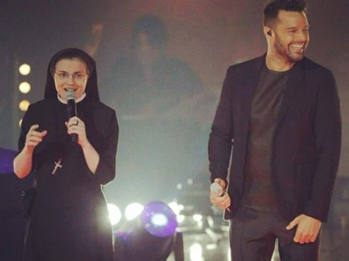 Ricky Martin canta y baila con la monja de 'The Voice' Italia [VIDEO]
