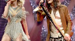 Taylor Swift y Steven Tyler alocan a fans tras cantar 'I Don't Want to Miss a Thing' [VIDEO]