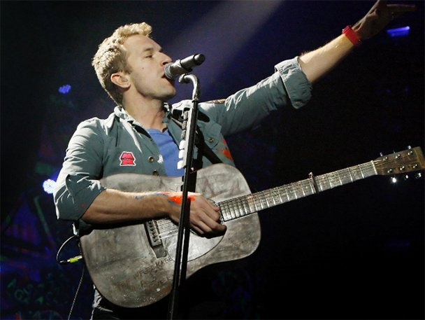 Coldplay: Venden guitarra de Chris Martin en 28 mil dólares