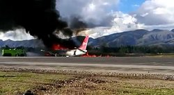 ¡Terrible! Avión se incendia en aeropuerto de Jauja (VIDEO)