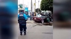 Av. Brasil: auto se despista y atropella a transeúnte (VIDEO)