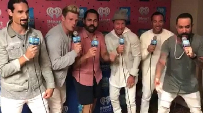 "Facebook: Backstreet Boys cantaron ""Despacito"" pero no le siguieron el ritmo VIDEO)"