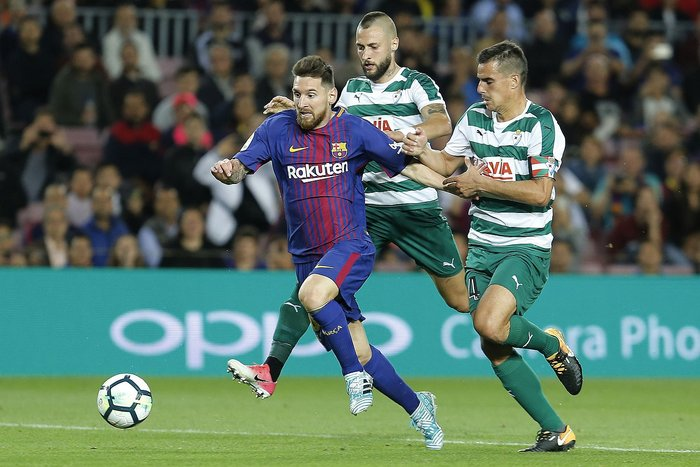 ​Barcelona, con cuatro goles de Messi, vence 6-1 al Eibar (VIDEO)