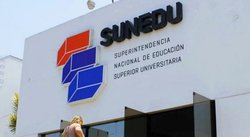 Sunedu niega licencia a universidad y estudiantes reclaman (VIDEO)